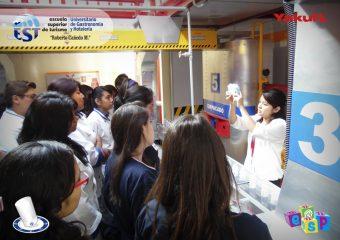 Alumnos de la EST Roberto Cañedo Martínez visitan Yakult